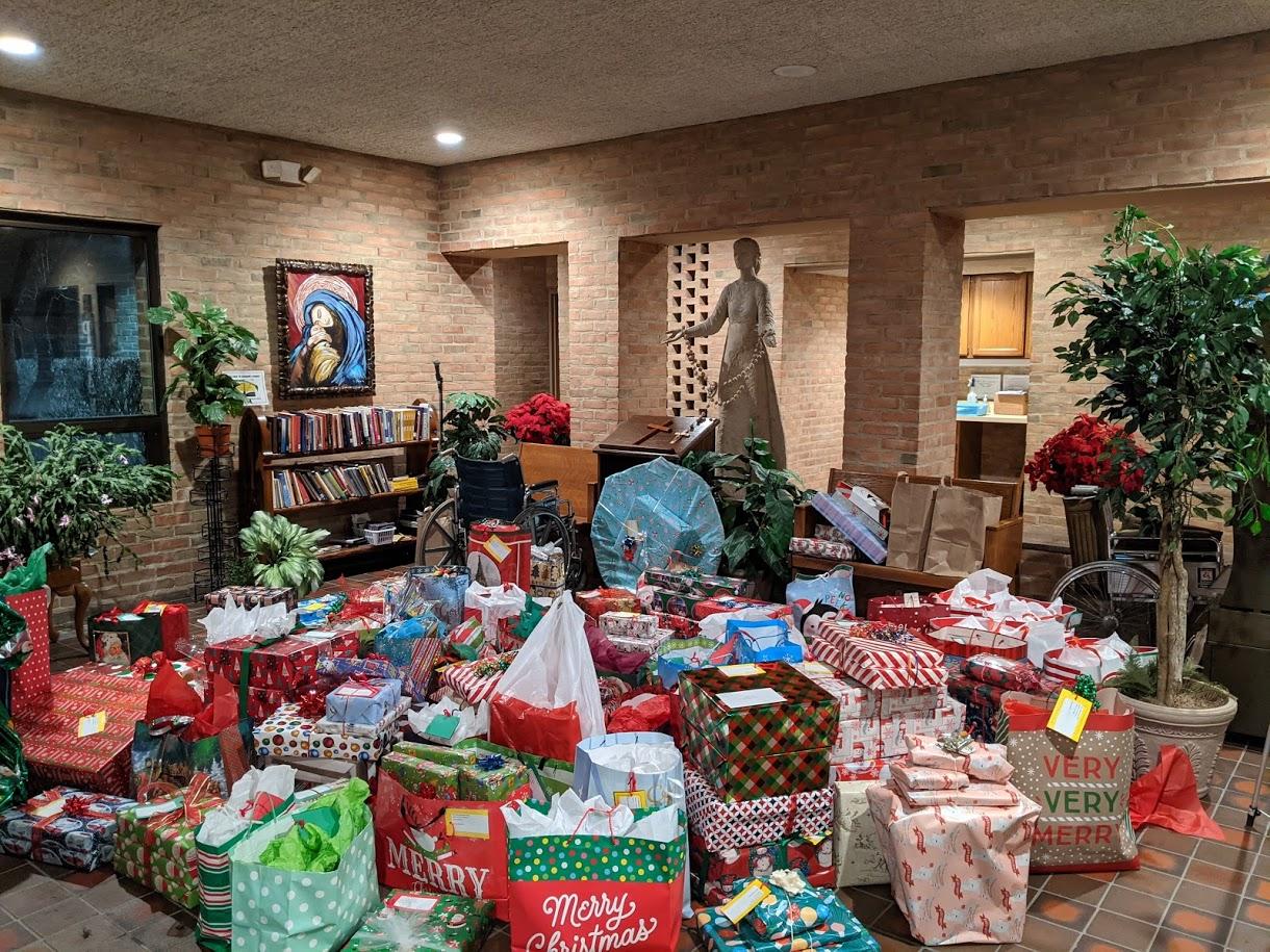 St. Mary Mokena 2020 Christmas Tree Gift Drive